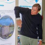 Ansprechende Schautafeln informieren über das Projekt. Im Begleitprogramm der Ausstellung geben Fischereibiologen wie Thomas Klefoth spannende Einblicke in ihre Arbeit. Foto: Projekt Baggersee